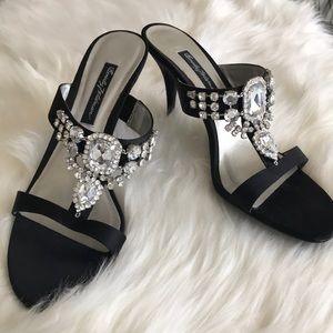 Beverly Feldman dressy high heeled shoes crystal 9